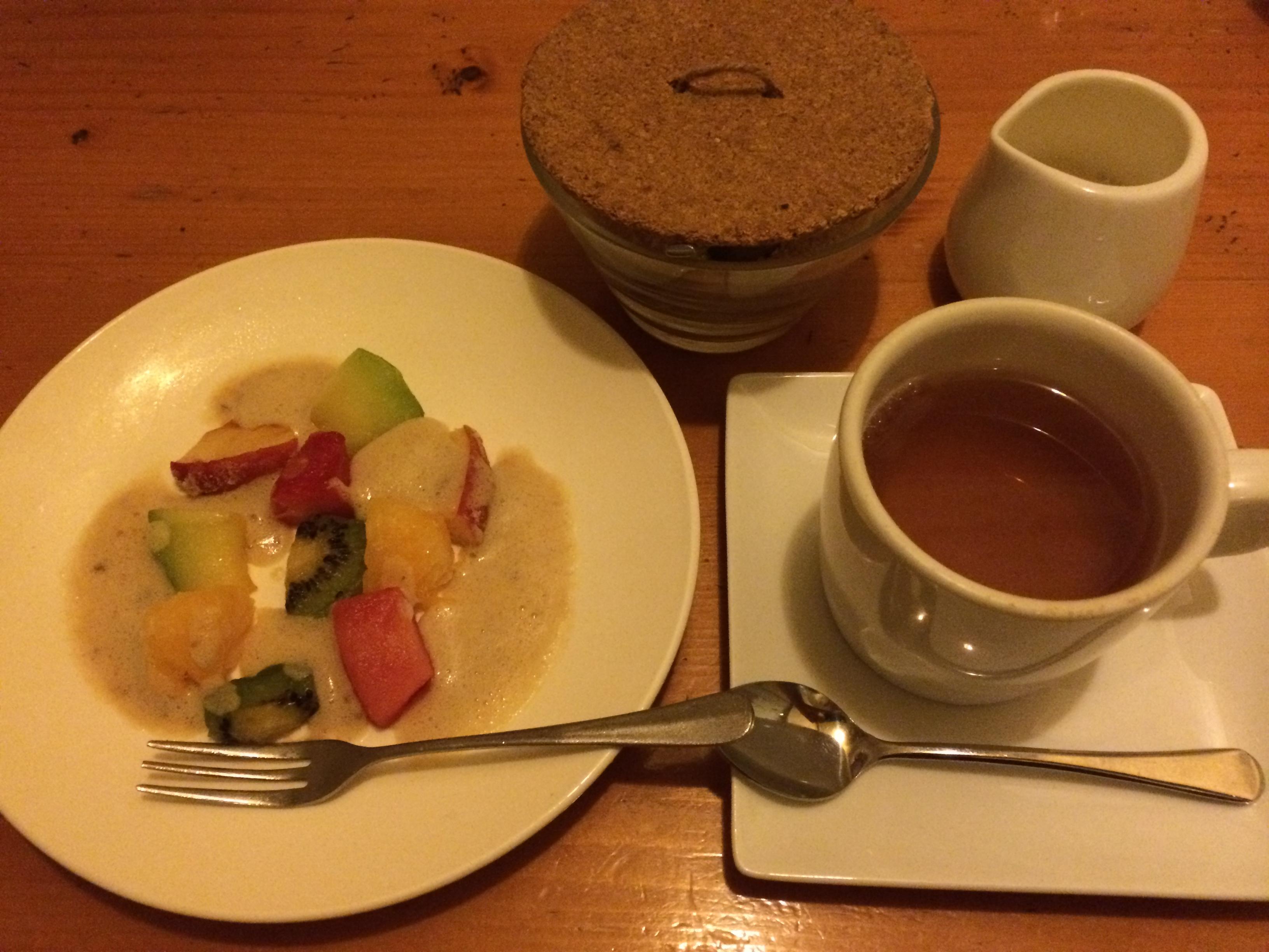 Bistro la fourchette豆乳ヨーグルトとフローズンフルーツと有機アールグレイ紅茶