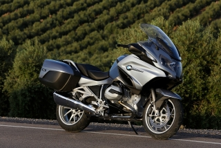 2014-bmw-r1200rt-looks-sharp-photo-gallery-720p-57.jpg