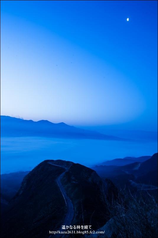夜明け前の月 6379