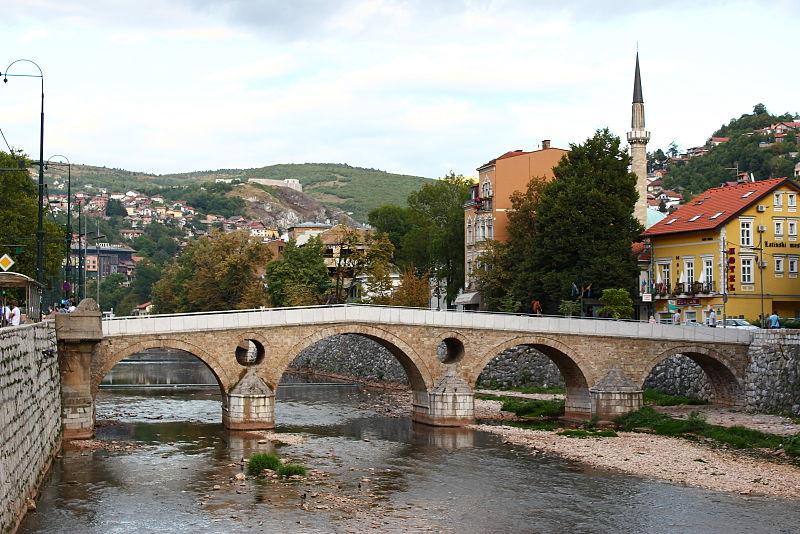 800px-Sarajevo_Lateinerbrücke_1