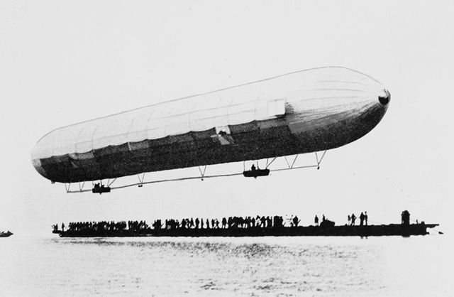 640px-First_Zeppelin_ascent.jpg