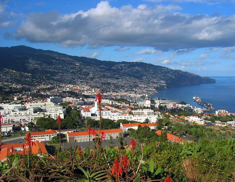 Funchal_Pico_da_Cruz.jpg