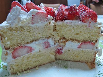 イチゴのショートケーキ 切り口