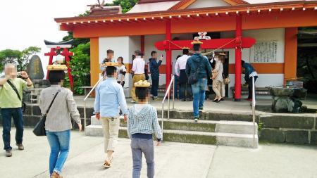 釜蓋神社の変わった参拝方法