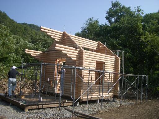 あと屋根が出来れば完成です。