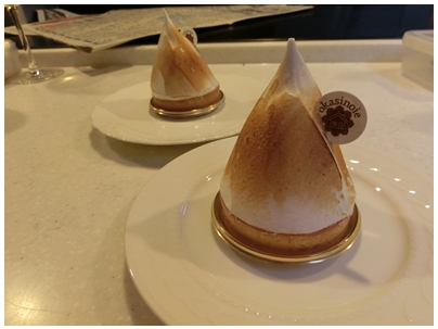 お菓子の家ケーキ1