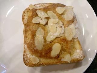スターバックスコーヒー アーモンドブリオッシュトースト
