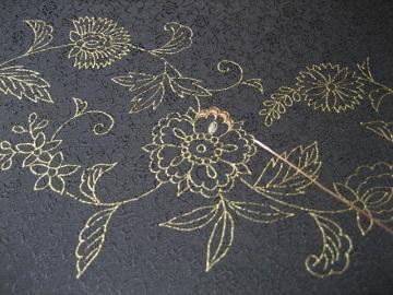 日本刺繍 金彩更紗2