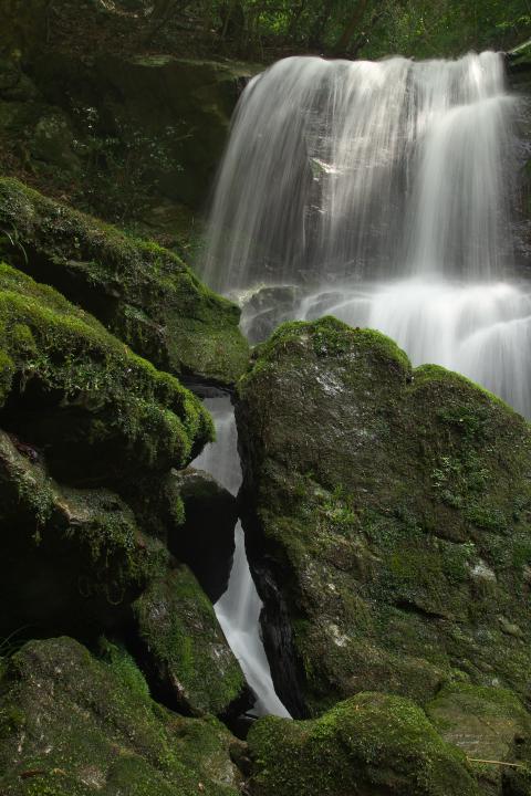 中須の魚切の滝1402