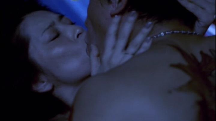 【完全なる飼育】有森也実のヌード&濡れ場、乳首と絡み正常位でキス1
