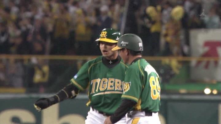 ウル虎、阪神がグリーンユニフォーム披露!(夜)柴田&関川コーチ