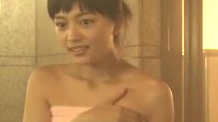 2代目【GTO】相沢雅(川口春奈)お宝入浴シーン!入浴シーン1のアップ