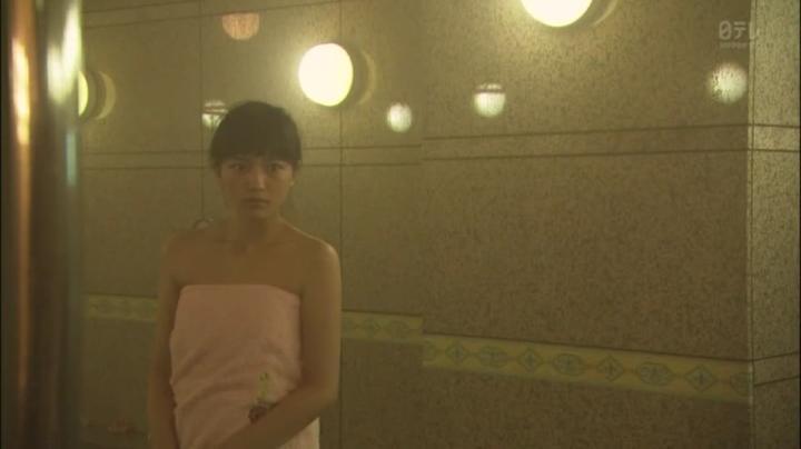 2代目【GTO】相沢雅(川口春奈)お宝入浴シーン!入浴シーン5