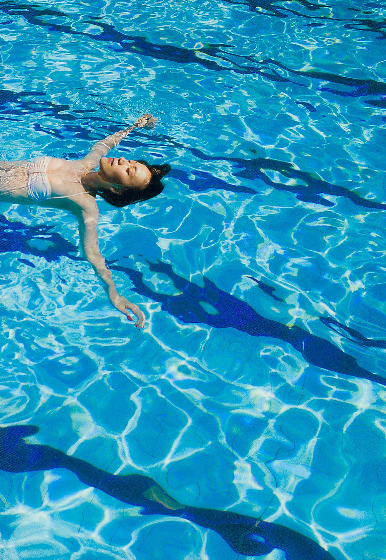 大島優子の脱ぎやがれ!水着(水中、プール?)7