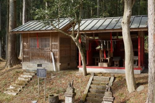 9本丸の神社 (1200x800)