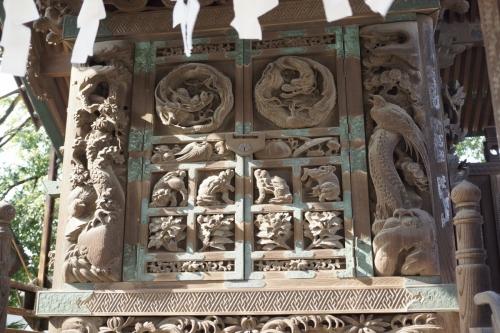 3八雲の彫刻 (1200x800)