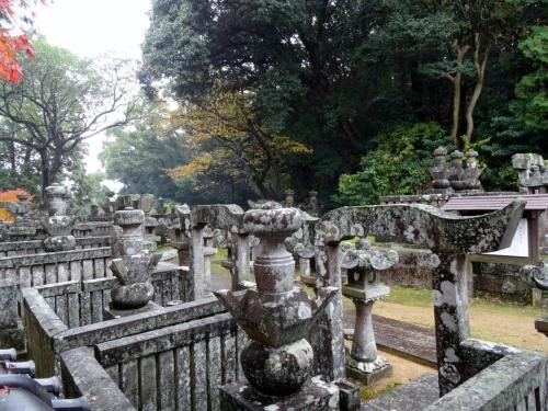7諫早家墓所 (1200x900)