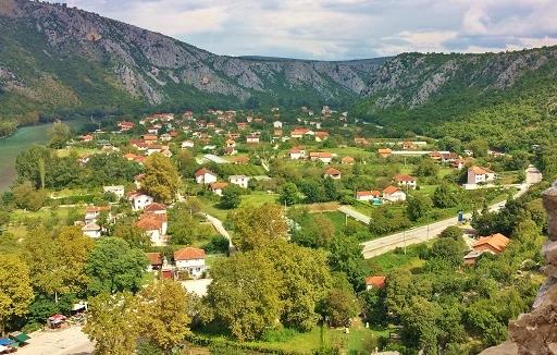 クロアチア伊111