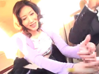 センズリ鑑賞と手コキ動画:【手コキ】美熟女奥様が車内でいぶし銀の手コキを披露! 松坂洋子