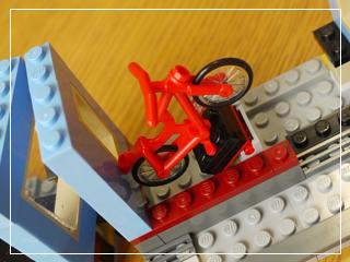 LEGOBikeShopandCafe64.jpg