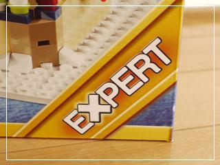 LEGOWinterVillageMarket02.jpg