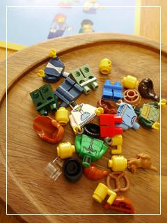 LEGOWinterVillageMarket06.jpg