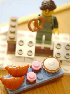 LEGOWinterVillageMarket12.jpg