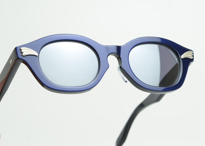 groover-elwood-stoplight-blue3.jpg