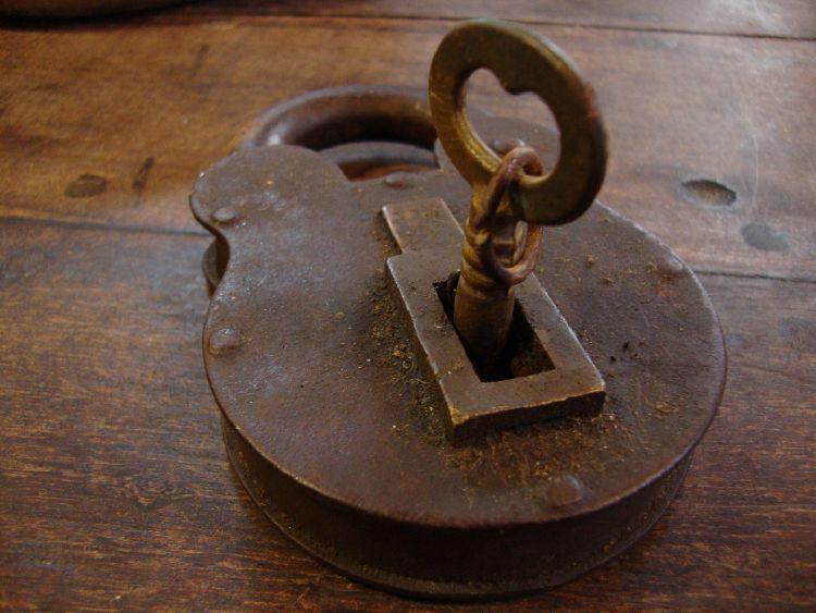 lock11.jpg
