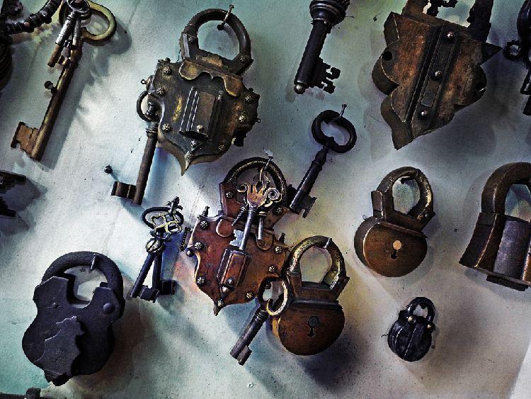 lock30.jpg