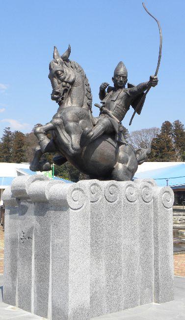 那須の与一の像