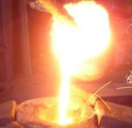 工場で1300℃の溶鉄を浴びた男性、全身を火傷して死亡 …徳島