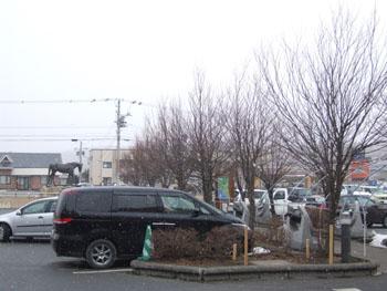 20140322_道の駅駐車場と雪