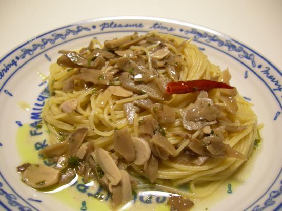 ジャンボ舞茸のアヒージョdeペペロンチーノ