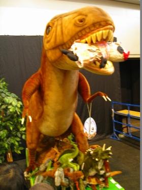 おばぶ恐竜に喰われる