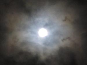 秋の雲とスーパームーン1