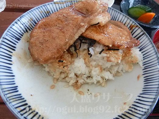 館山ランチコンテナキッチンで豚丼大盛り048