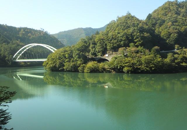 飯田線の車窓から眺めた天竜川