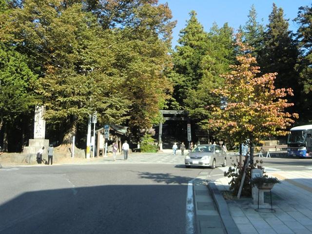 諏訪大社「下社秋宮」の入り口