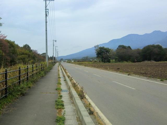 小海線と並走する道路