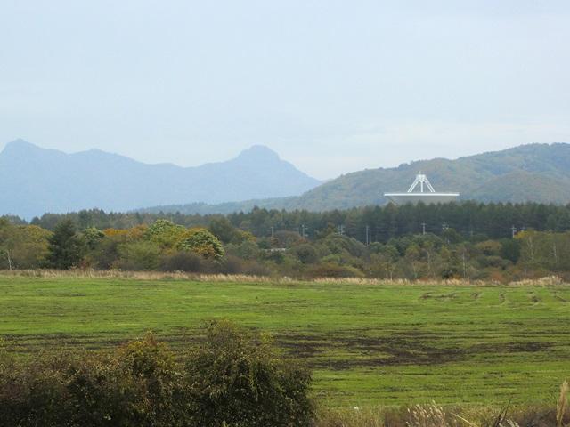 野辺山宇宙電波観測所の電波望遠鏡