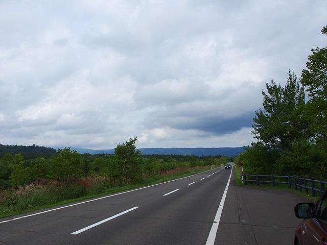 道々52号線の屈斜路湖方面の景色