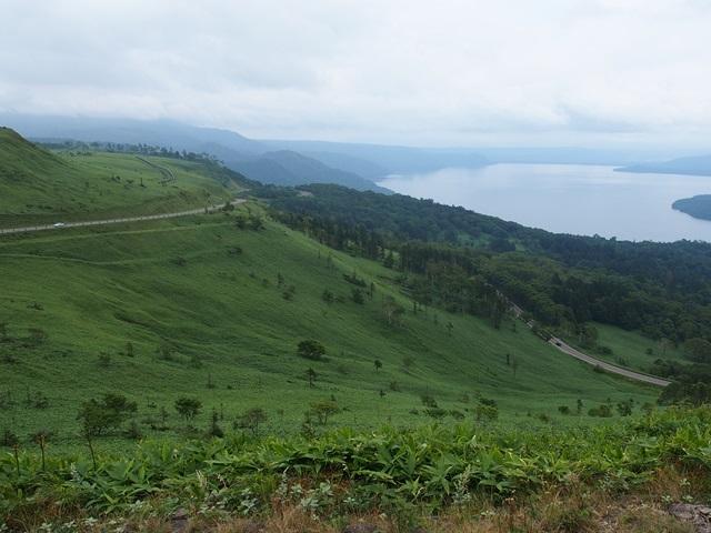 美幌峠から眺めた国道243号線