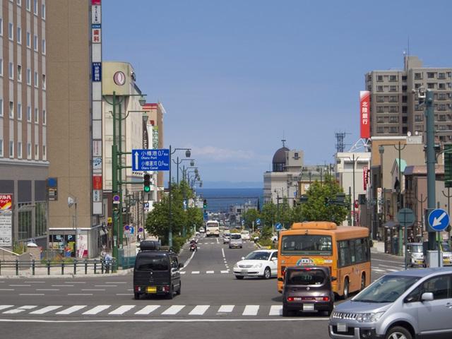 小樽駅前の中央通り