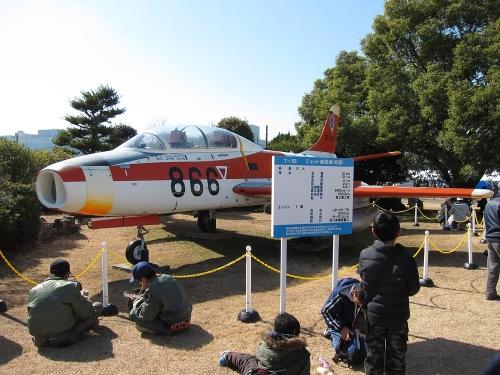 小牧オープンベース 展示機(T-1)