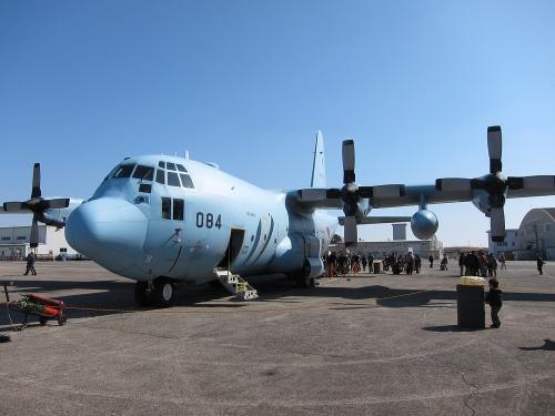 小牧オープンベース 展示機(C-130H)