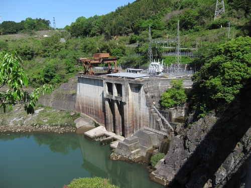 木曽川川上り 丸山ダム 発電所