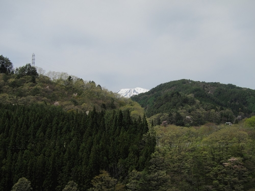 木曽川川上り 道の駅木曽福島から望む御嶽山