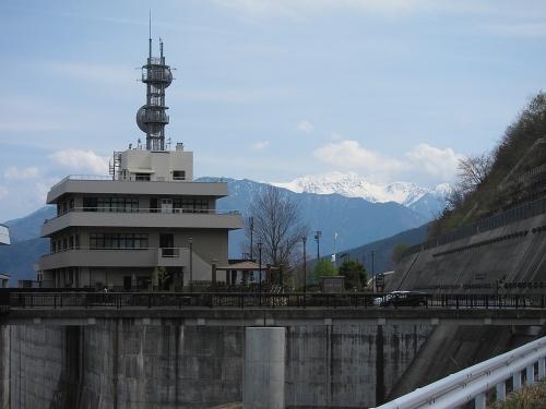 木曽川川上り 味噌川ダム管理所と木曽駒ヶ岳