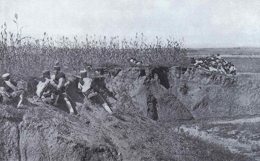 1280px-Japanese_Infantry_Preparing_the_Attack_during_the_Siege_of_Port_Arther_2.jpg